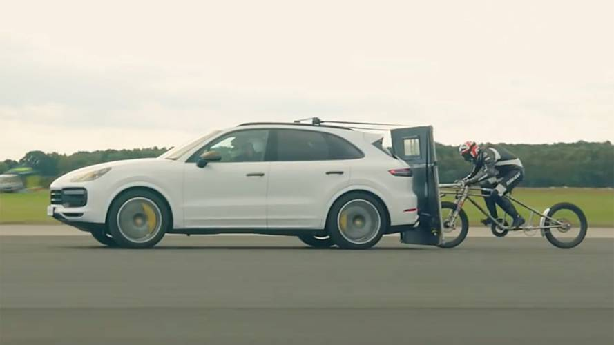 Watch Porsche Cayenne Turbo Help Bike Hit Record-Breaking 149 MPH