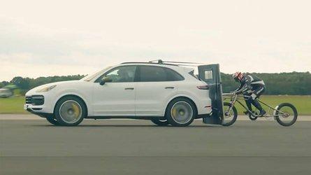 Watch Porsche Cayenne Turbo Help Bike Hit Record-Breaking 149 MPH