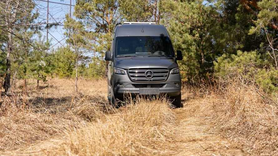 Pleasure-Way Recon 4×4 Adventure Van Mercedes-Benz Sprinter