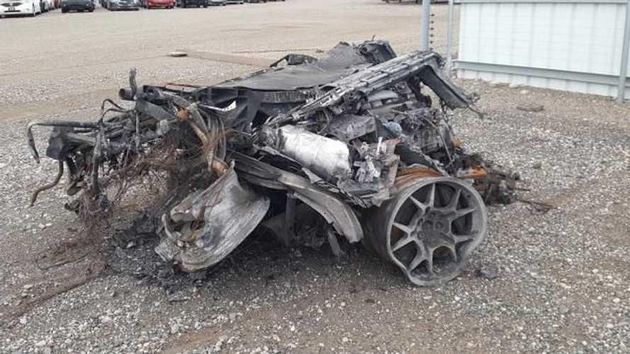 Les restes d'une Ford GT de 2005 vont être mis aux enchères