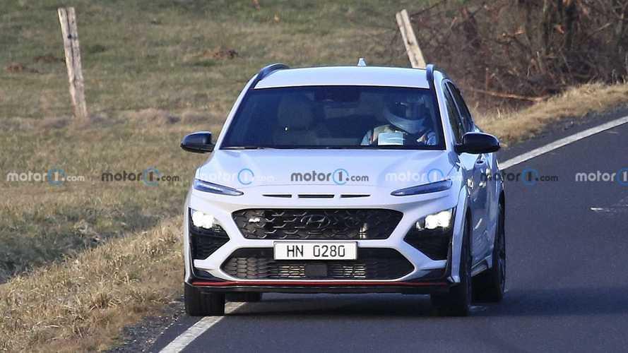 La Hyundai Kona N beccata in Germania senza mimetizzazioni