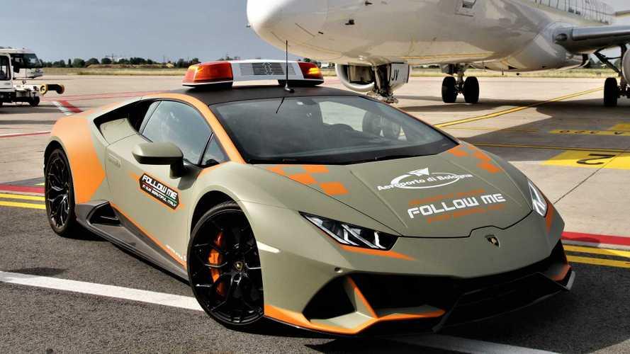 L'aéroport de Bologne en Italie reçoit une Lamborghini Huracan