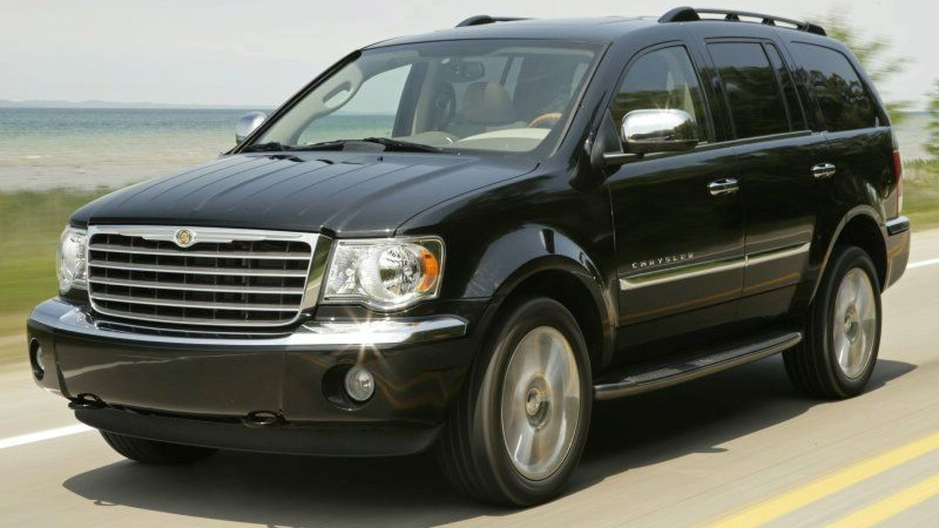 Chrysler Seven Seat Crossover Due In 2017 Will Be Larger Than The Dodge Durango