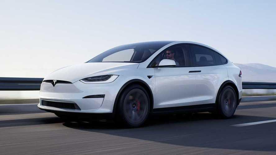 Tesla, Kasım ayında Model X'in teslimat tarihlerini açıklayacak