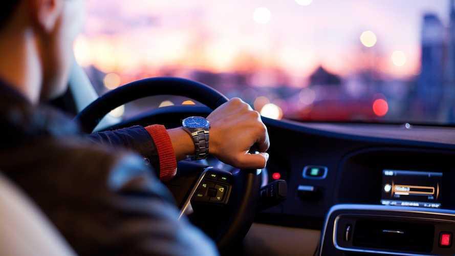 Caffè, musica rap e bambini migliorano l'attenzione alla guida