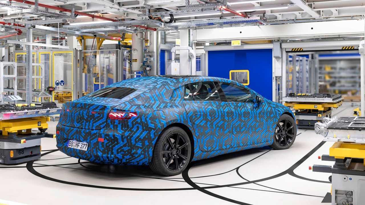 Mercedes-Benz EQS at the Hedelfingen battery factory, Germany