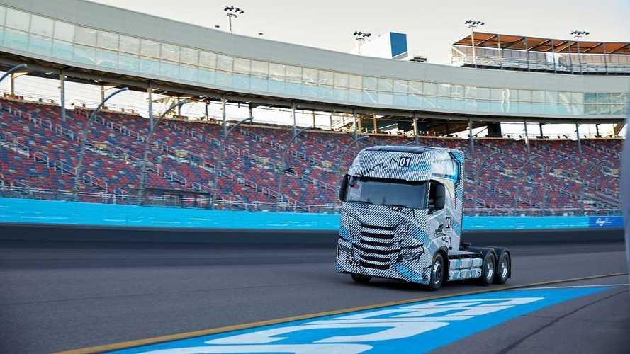 A Nikola elkezdte új elektromos kamionjának tesztelését Amerikában