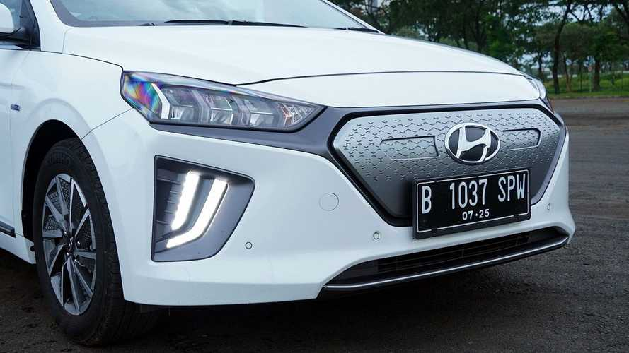 Plat Kendaraan Indonesia Akan Ganti Warna Putih, Simak Aturannya
