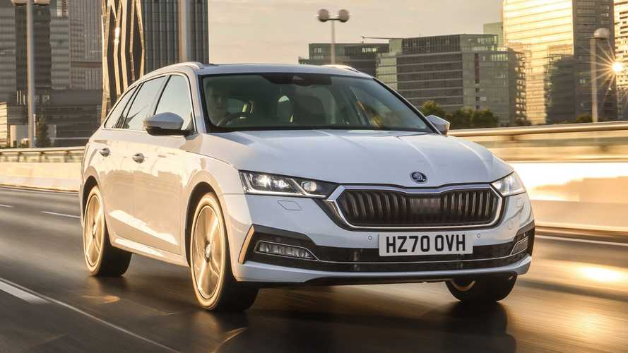 Skoda Octavia iV plug-in hybrid costs just under £31,000