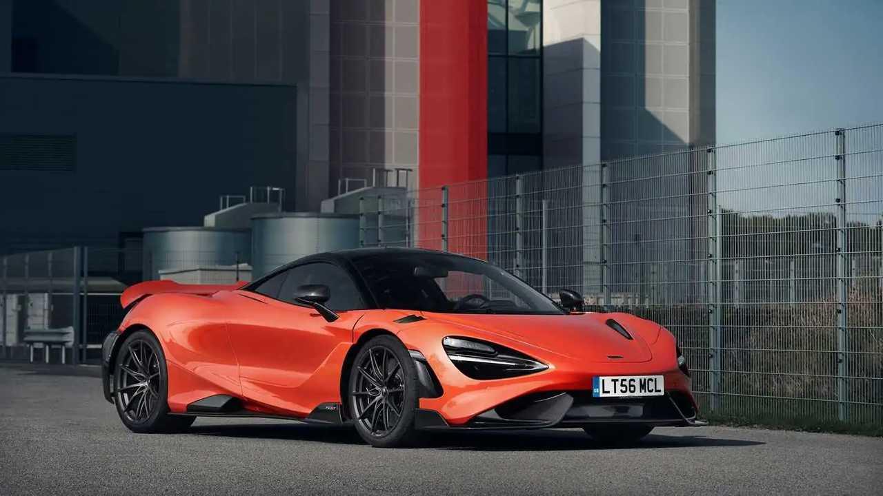 2021 McLaren 765LT front quarter static