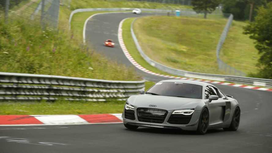 La vuelta al mundo en un Audi R8 manual