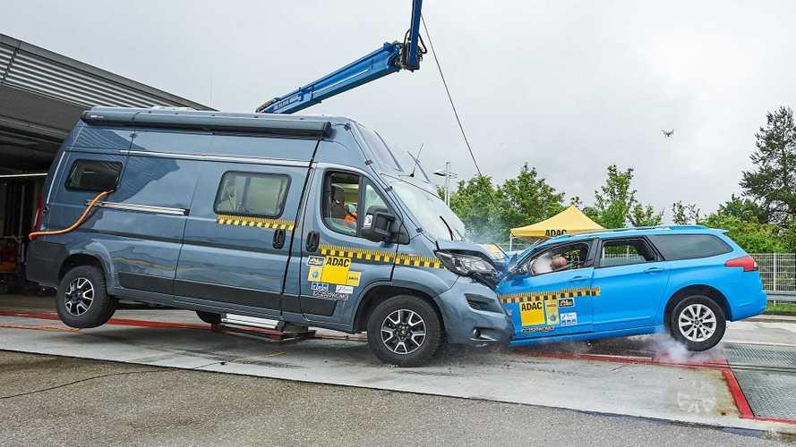 Wohnmobil im Crashtest:Umgebaute Kastenwagen oft nicht sicher
