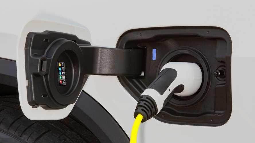 BMW, ileride sunacağı hibrit modellerinin menzilini açıkladı