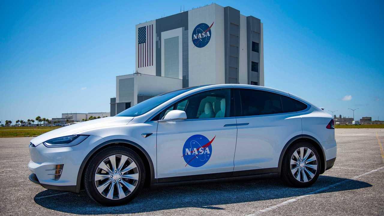 Tesla Model X - NASA / SpaceX
