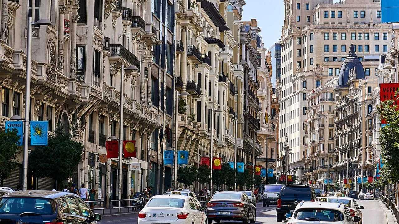 Copertina Incentivi auto, la Spagna approva piano