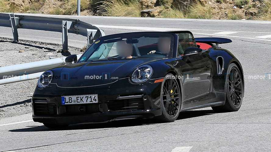 Porsche 911 Turbo trio spy photos