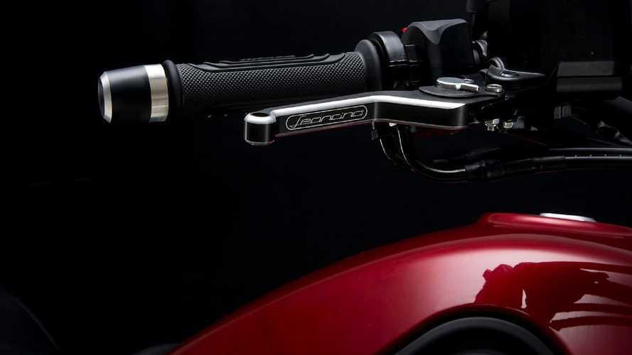 Benelli Leoncino 500 e Leoncino Trail, nuova gamma accessori CNC