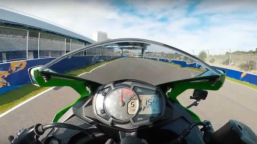 Kawasaki ZX-25R, di nuovo in pista a Jerez con Jonathan Rea [VIDEO]