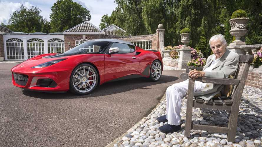 Hazel Chapman and 100,000th Lotus in 70th celebrations