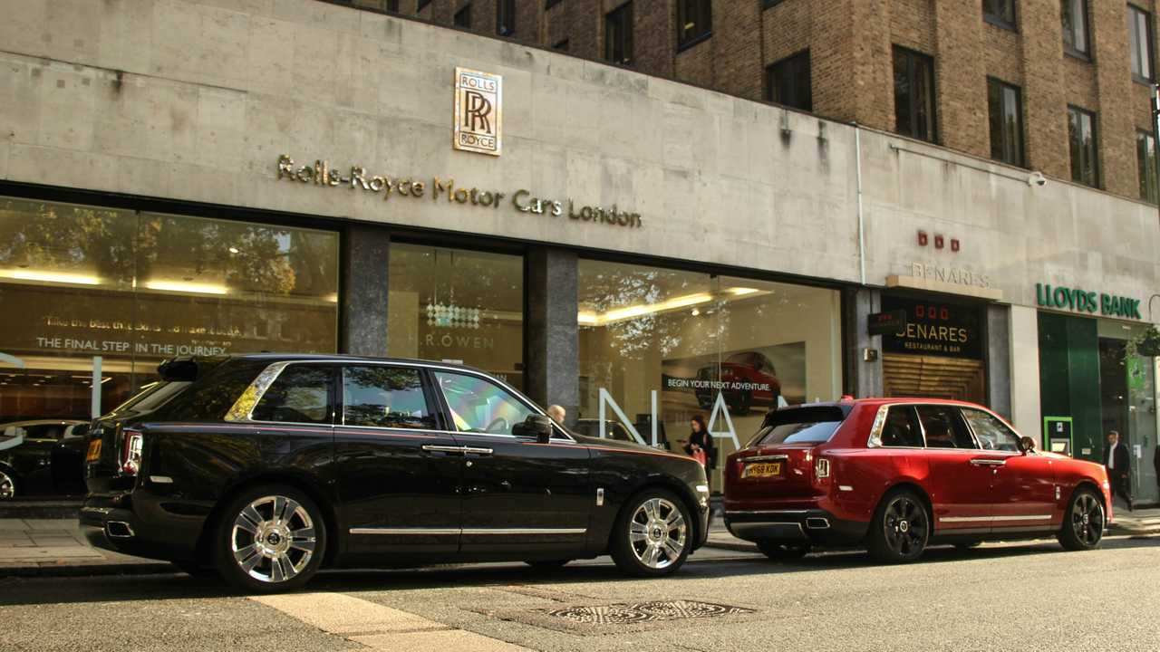 Rolls-Royce Cullinan on the streets of London