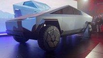 Tesla Cybertruck debütiert mit Sci-Fi-Design und Mega-Reichweite