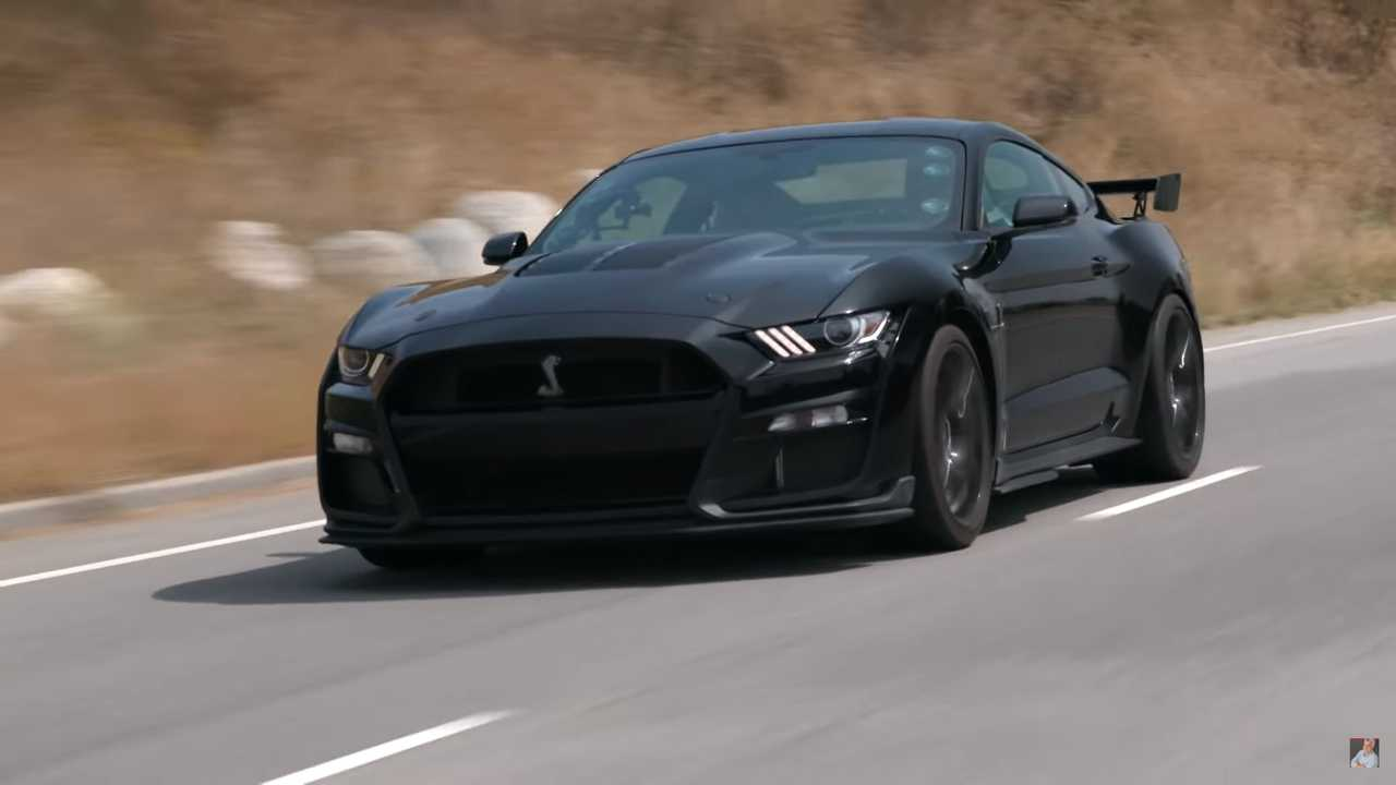 Watch Jay Leno Take A 36-Minute Tour Of The 2020 Shelby GT500