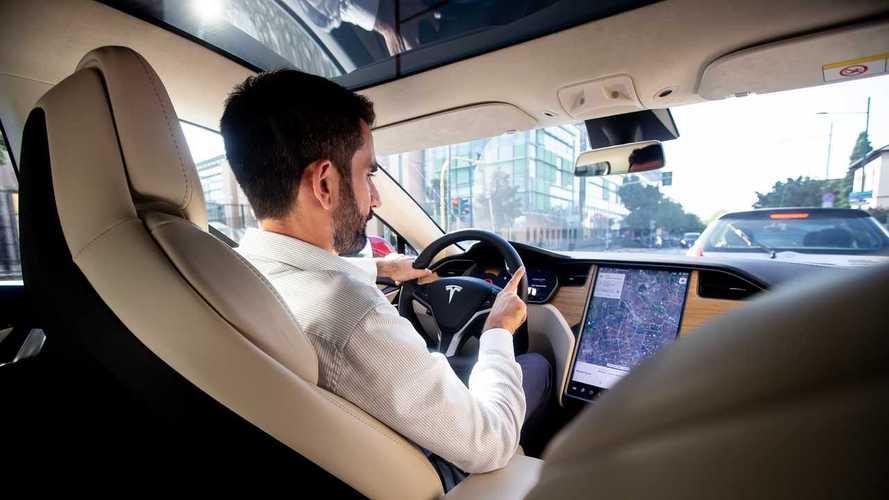 Tesla Network, il servizio di ride sharing ufficiale si avvicina
