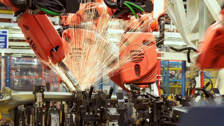 Graças aos carros elétricos, FCA retoma produção a plena capacidade