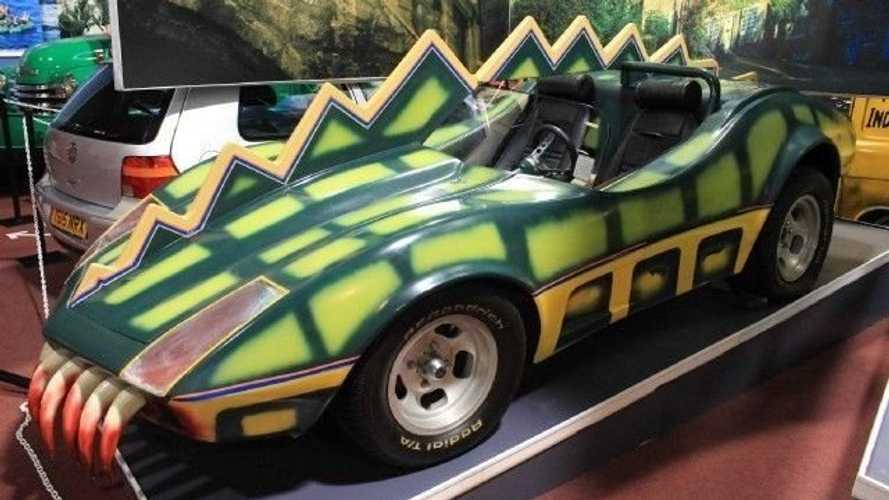 Terrify Motorists In This 'Death Race 2000' Alligator Car