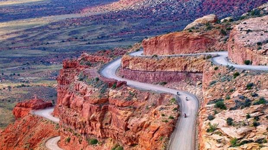Strade incredibili: la Moki Dugway in USA [VIDEO]