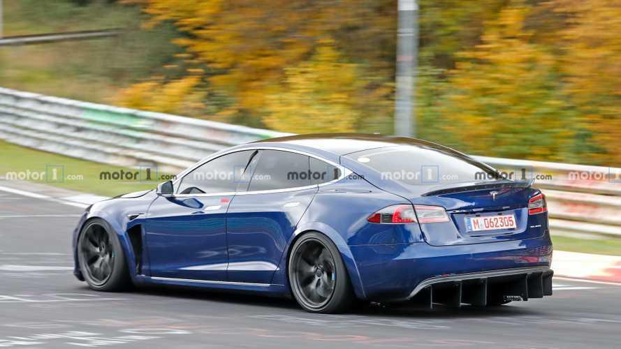 VIDÉO - La Tesla Model S Plaid intensifie son entraînement