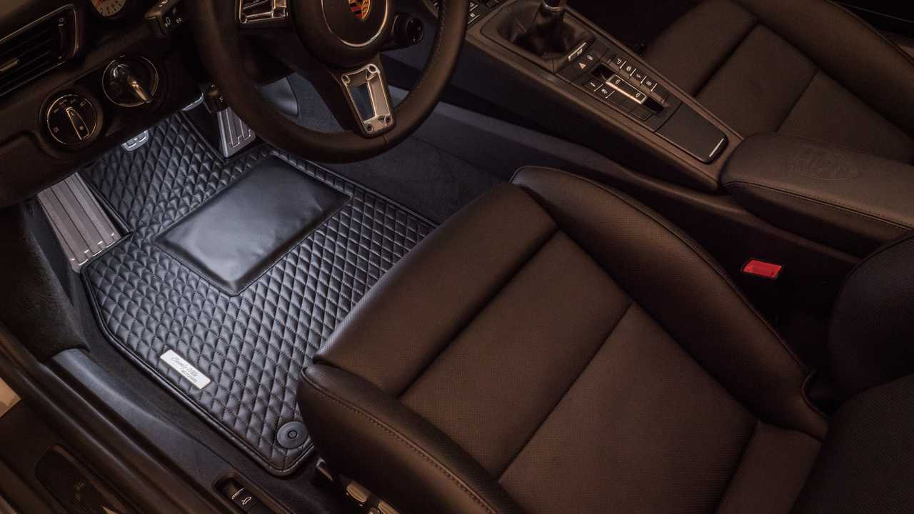 Vehicle Floor Mats >> Quilted Leather Floor Mats Are The Ultimate Accessory For Fine Cars