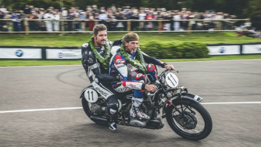 Goodwood Revival, tra le moto trionfa una BMW del 1929 [VIDEO]