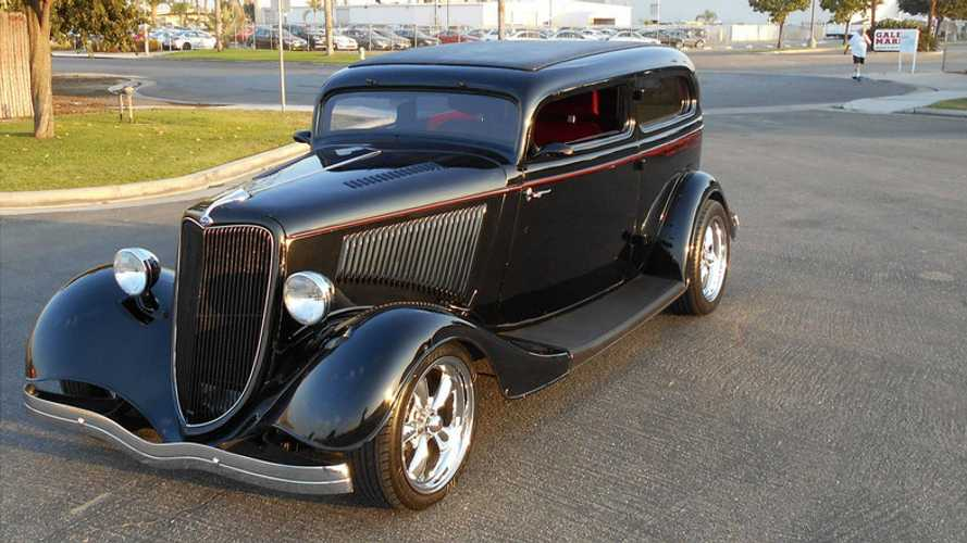 1934 Ford Tudor Hot Rod Is A Turn-Key Cruiser