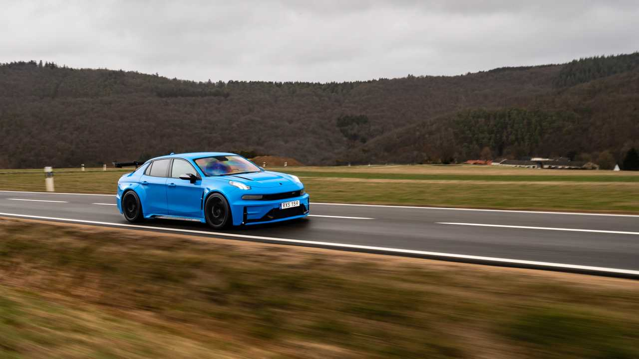 03 >> Lynk Co 03 Cyan Concept Sets Fwd And 4 Door Nurburgring