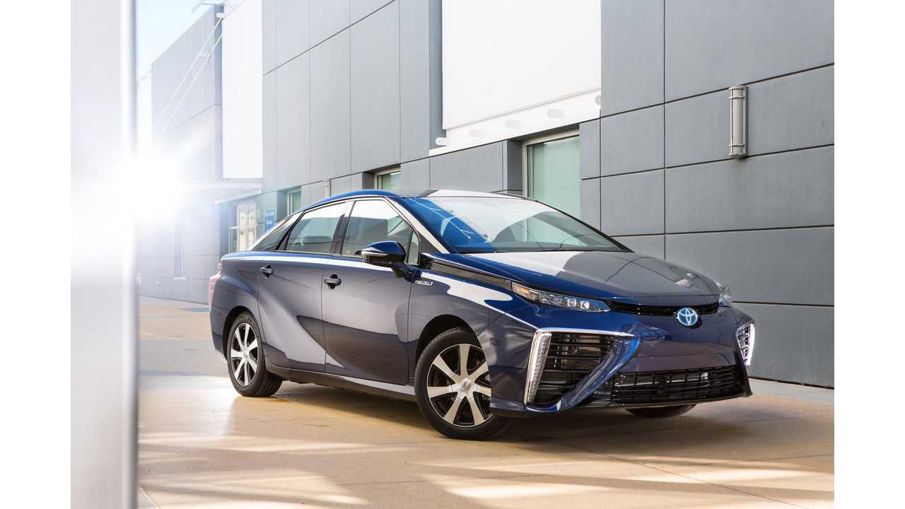 Toyota Fuel Cell Sedan Now Named