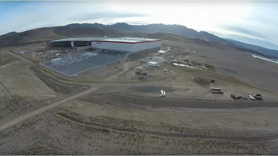 Tesla Gigafactory Fly Over Early October – Video
