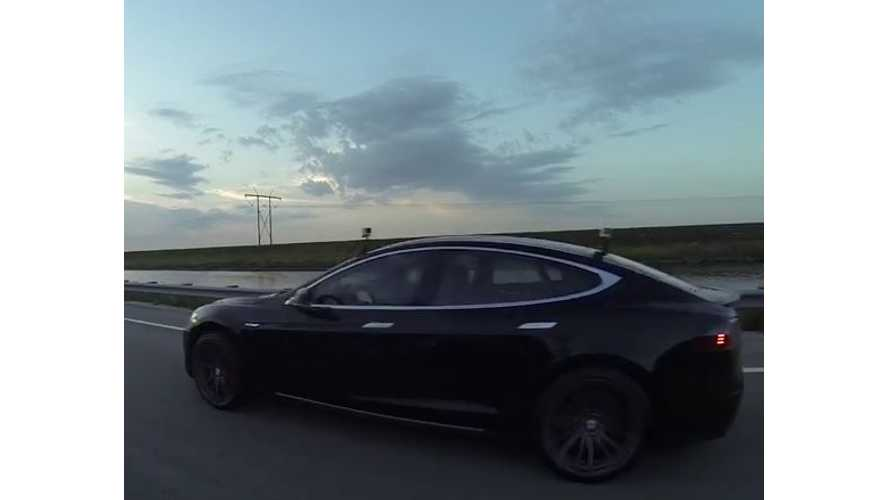 Tesla Model S P85D Versus BMW i8 - Drag Race Videos