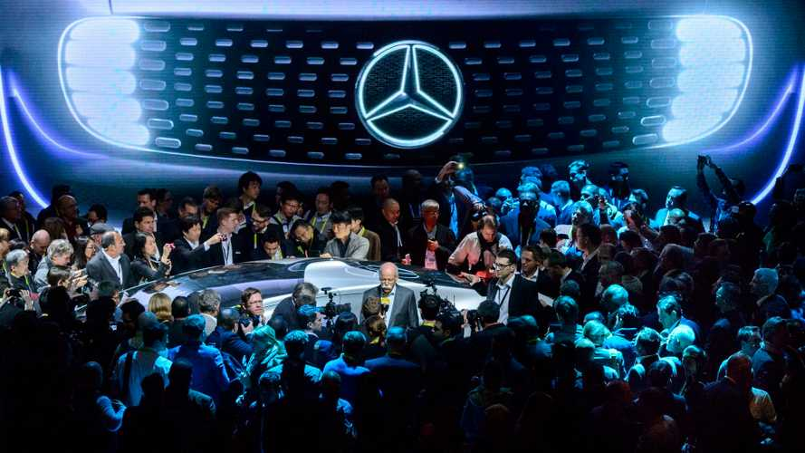 Head Of Daimler Says Electric Cars Are More Realistic Than Hydrogen