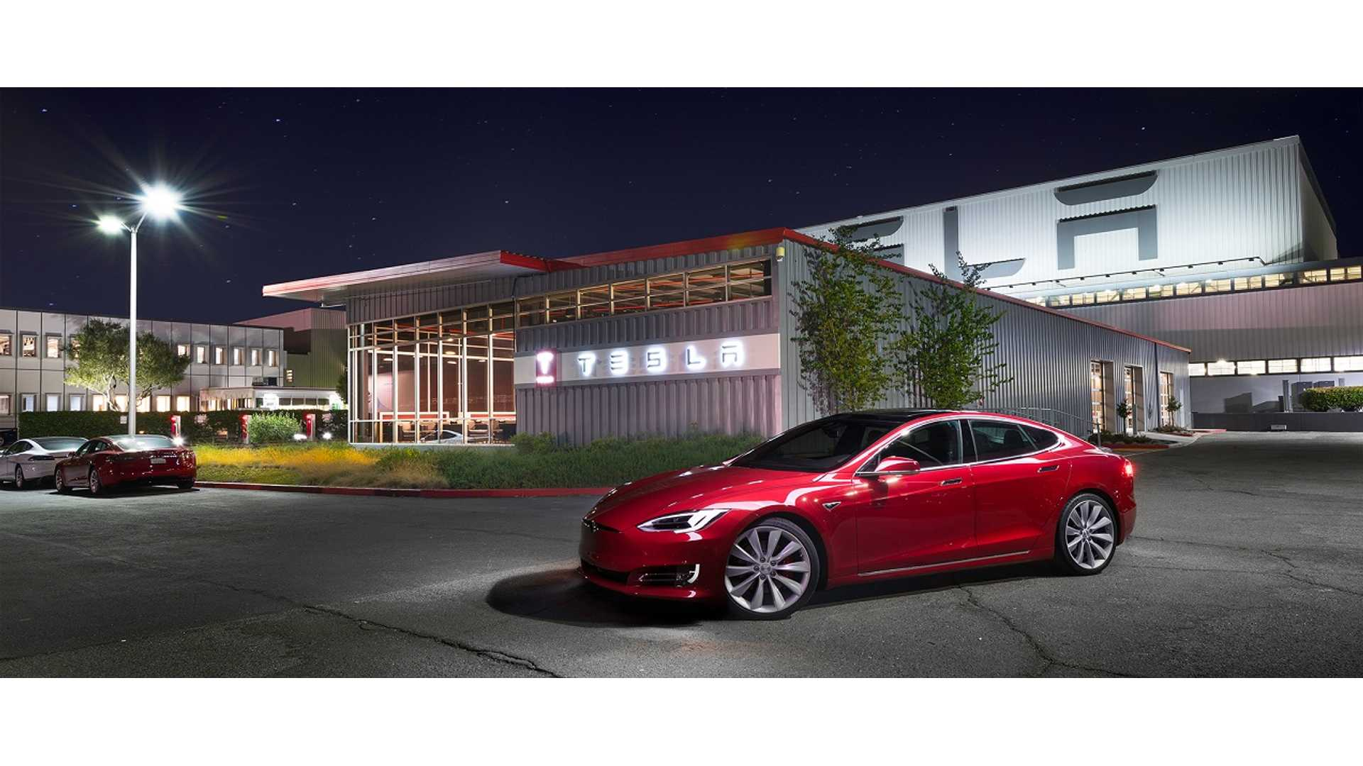 While Tesla's Elon Musk May Not Be Punctual, Big Auto Is Barely Crawling