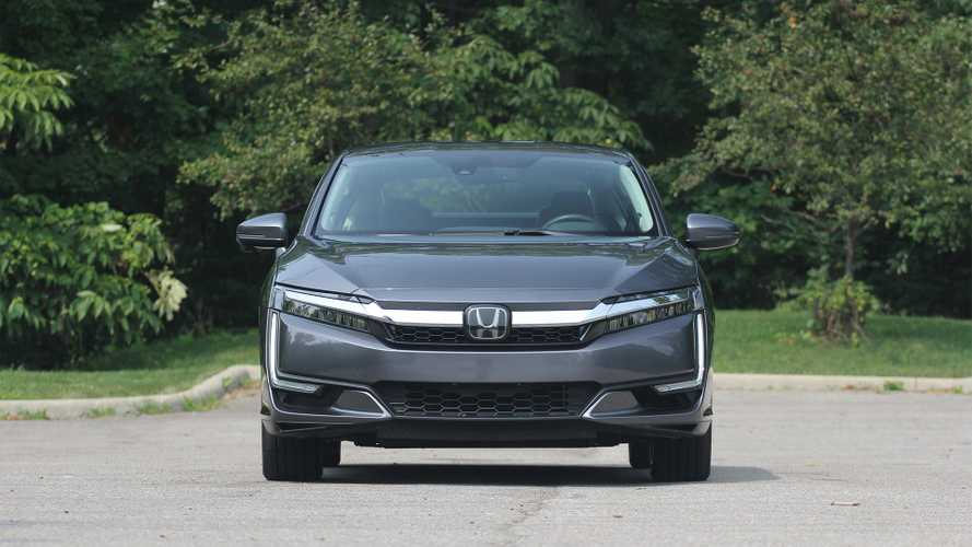 Auto Reviewer Confused On Details But Enjoys Honda Clarity PHEV