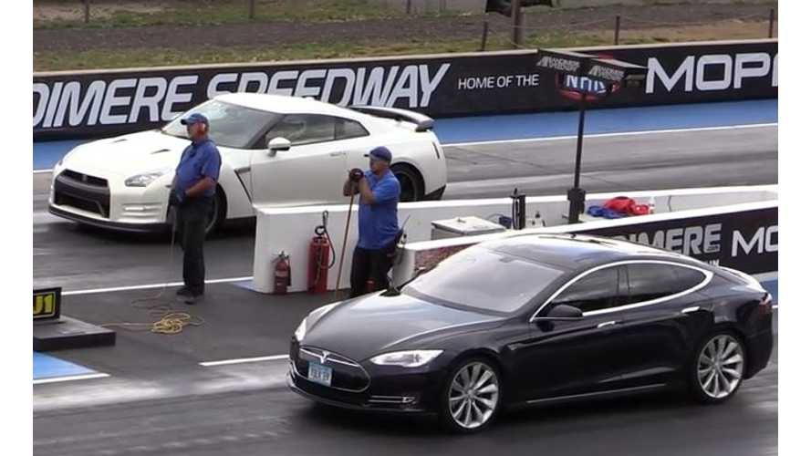 2014 Nissan GTR Versus Tesla Model S - Drag Race Video