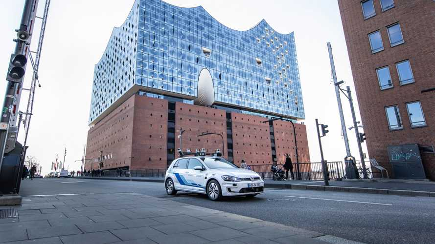 Des Volkswagen autonomes dans les rues de Hambourg