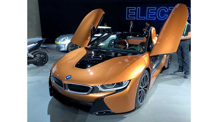 BMW i8 Roadster & i8 Coupe At 2017 LA Auto Show - Comparison, Photos & Videos