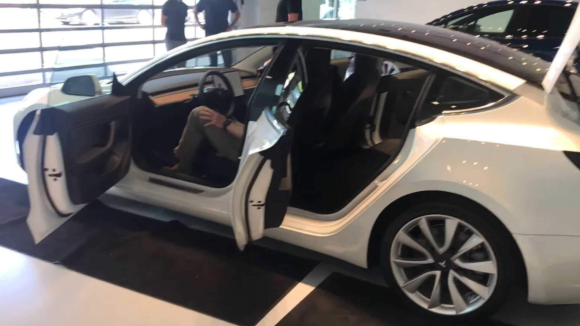 Watch First Tesla Model 3 Delivery In Texas (UPDATE 3 WITH ...
