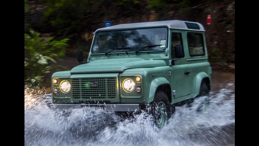 Land Rover desmente rumores sobre volta do Defender ao mercado
