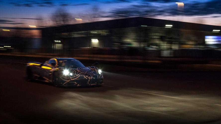 Pagani Huayra Roadster'ın son teaser'ı
