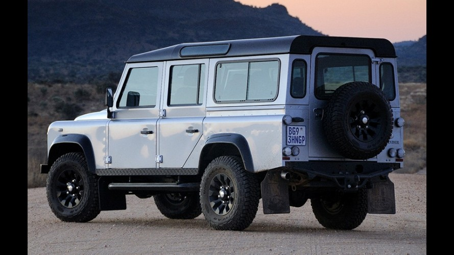 Land Rover convoca Defender por risco de desprendimento da roda