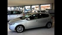 Kia Cerato Hatch pode estar próximo do lançamento - Modelo já é mostrado no Brasil