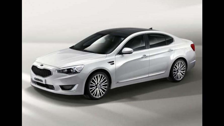 Kia divulga primeiras imagens oficiais do novo Cadenza 2013 - Visual atualizado é destaque